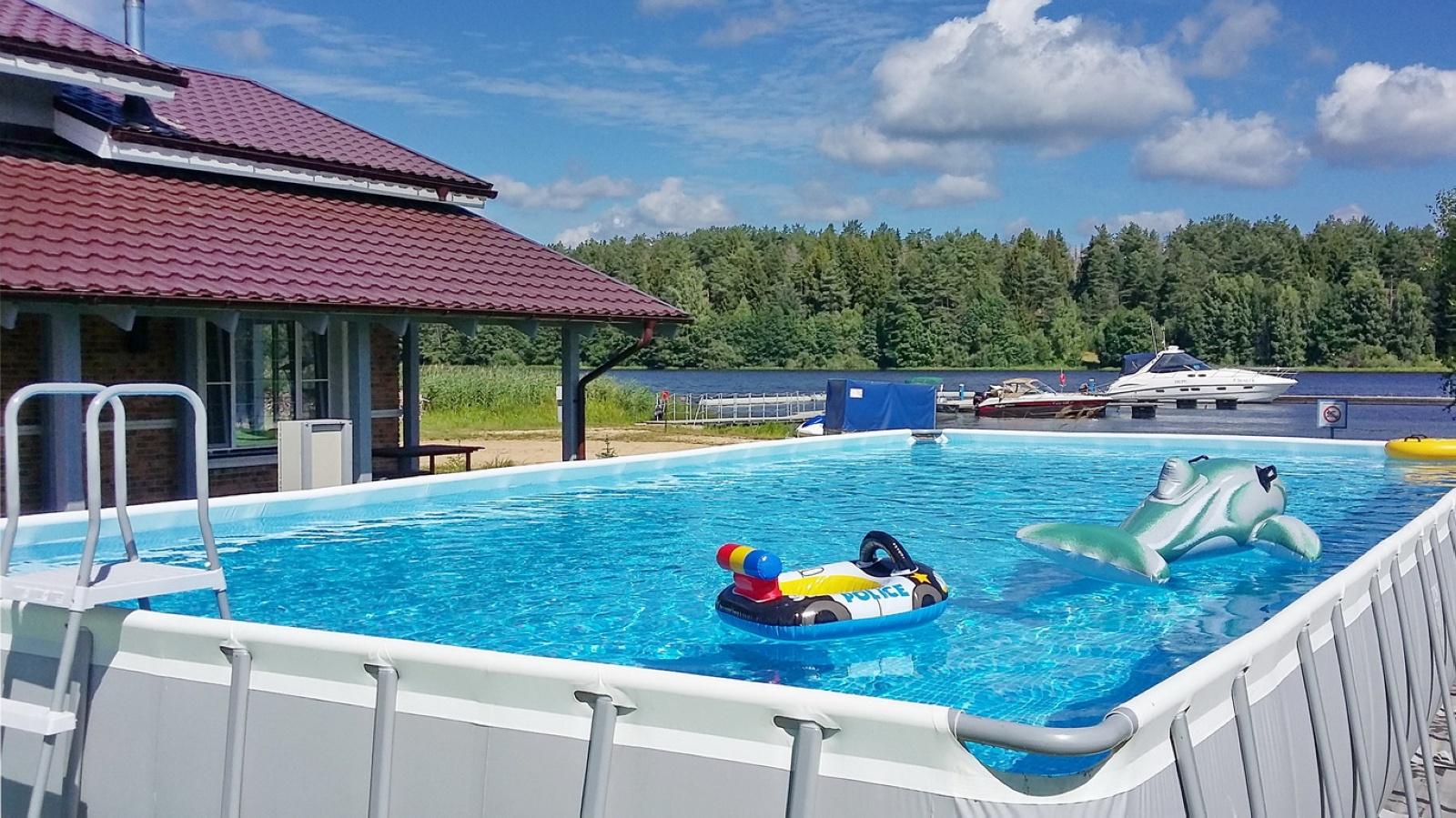 Открытый бассейн, июль 2017