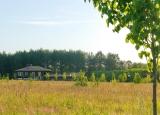 Один из домов поселка