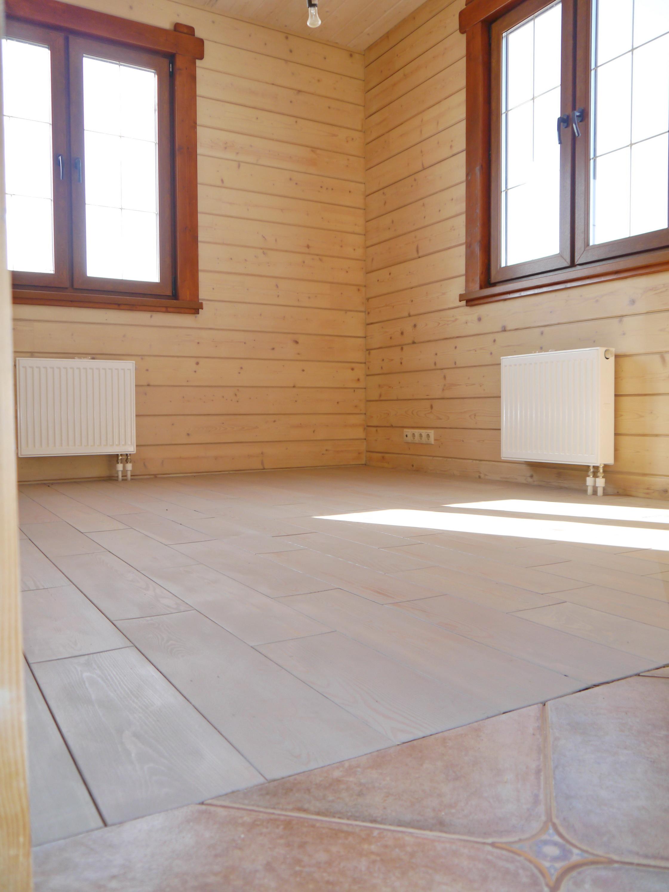 Гостевая комната на первом этаже готового коттеджа Б-142